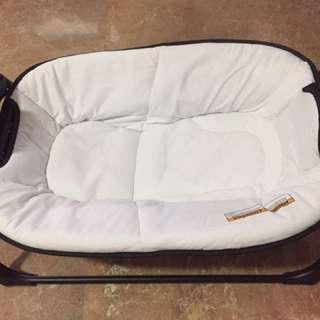 Good as new infant napping station