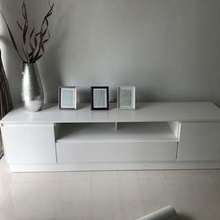 Showflat condition Brand New TV console