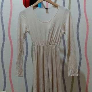 dress preloved bahan kaos cream