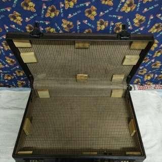 代賣古董皮箱 長42 寬10 高31