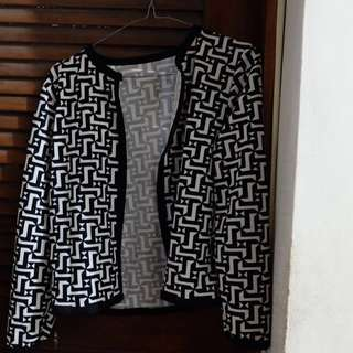 Black and White Printed Blazer (Fits Small to Medium Frame)