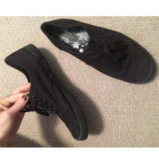 Size 7 black shoes