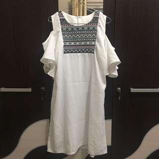 ETHNIC CUTSHOULDER DRESS