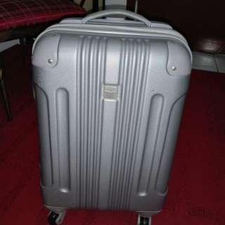 Luggage kids tempat tarik rosak