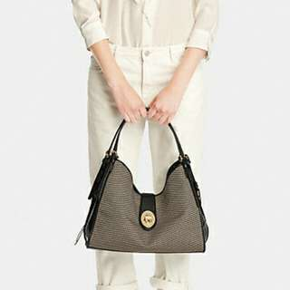 MADISON CARLYLE SHOULDER BAG IN COATED CANVAS