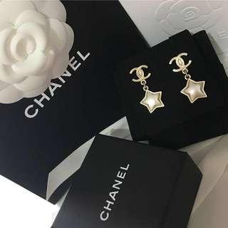 2017新款Chanel星星耳環