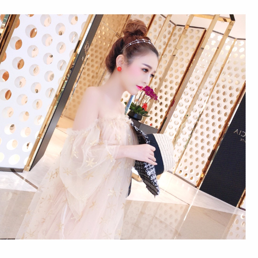 (全新)氣質短裙一字領漏肩蓬蓬裙甜美成人公主裙女生超仙星星網紗連衣裙