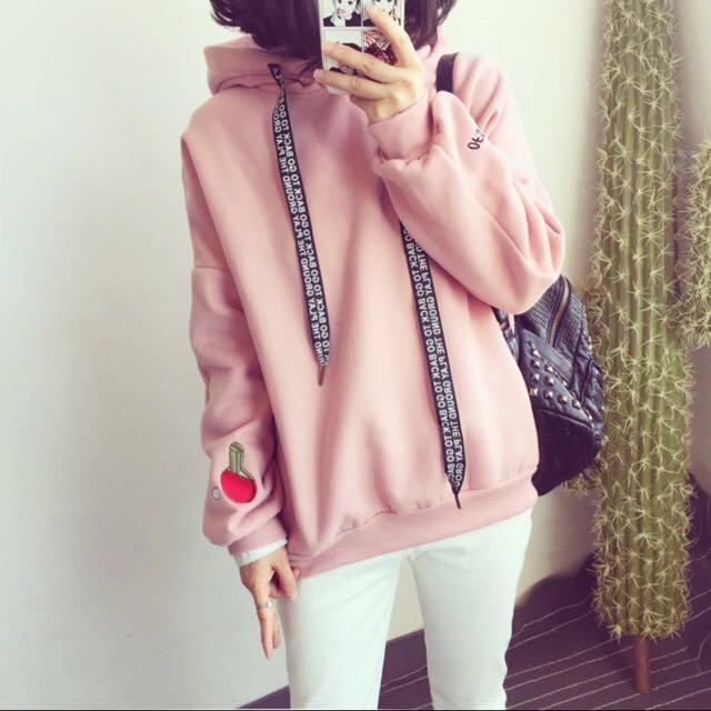 粉色刺繡 帽t