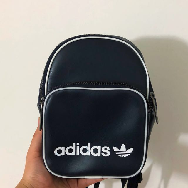 0fefc3c1a4 Adidas Originals Classic x Vintage Mini Backpack (photos), Women's Fashion,  Bags & Wallets on Carousell
