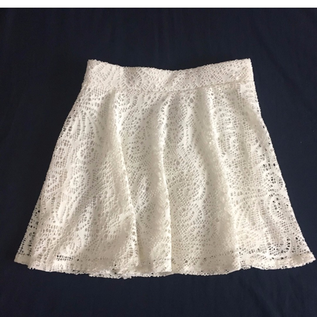 AE White Lace Skirt