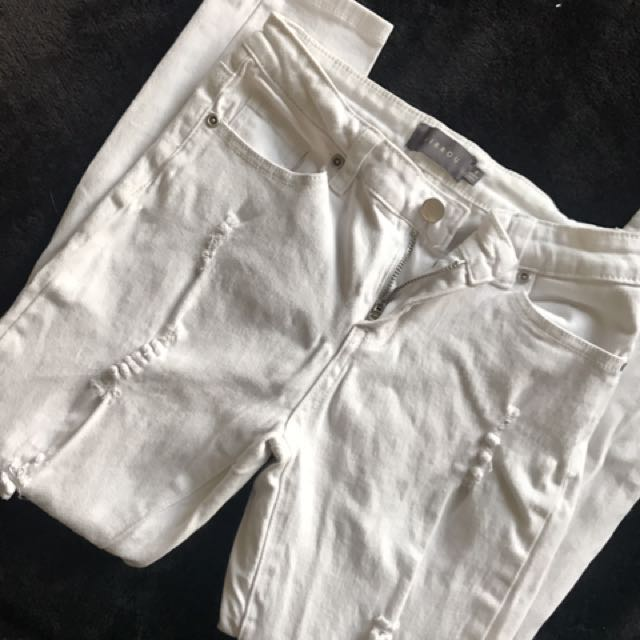 Ankle crop jeans