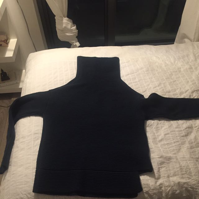 Babaton emerald sweater
