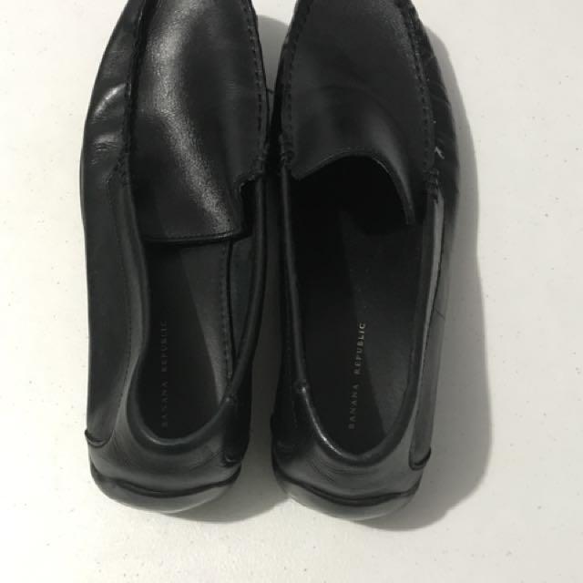 Banana Republic leather shoes