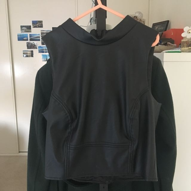Bardot Black Leatherette Crop Size 8