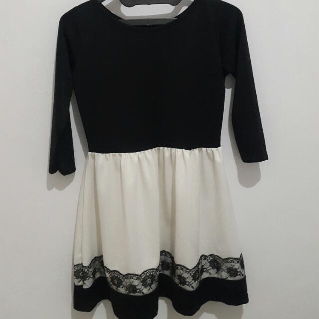 Black Mini Dress With Brokat
