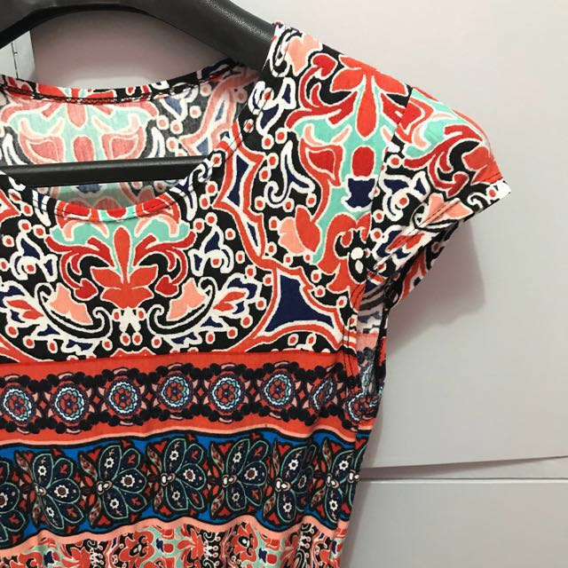 Classy aztec print dress (small)
