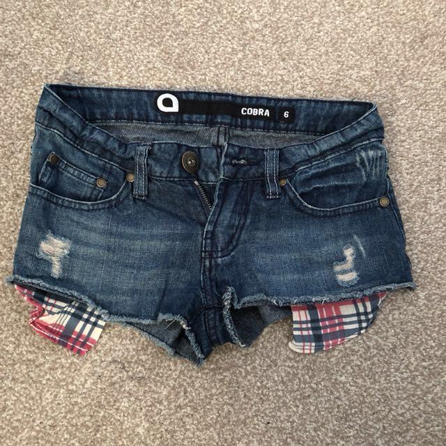 Cobra Shorts