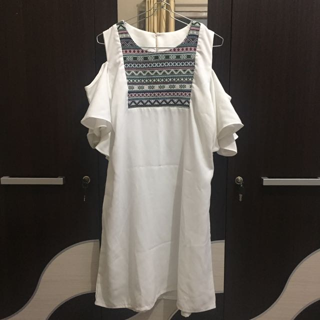 ETHNIC CUTSHOULDER DRESS