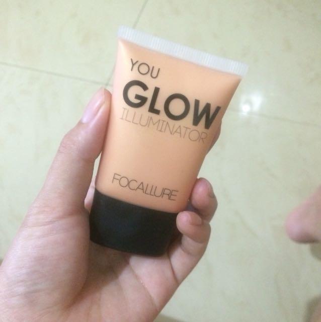 Focallure Face Glow illuminator shade 03-Pure gold