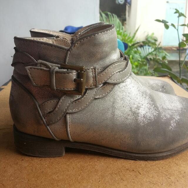 H&M Low Cut Boots Size 27-28