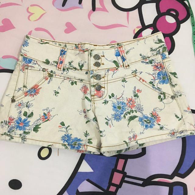 jeans bunga hi-waist