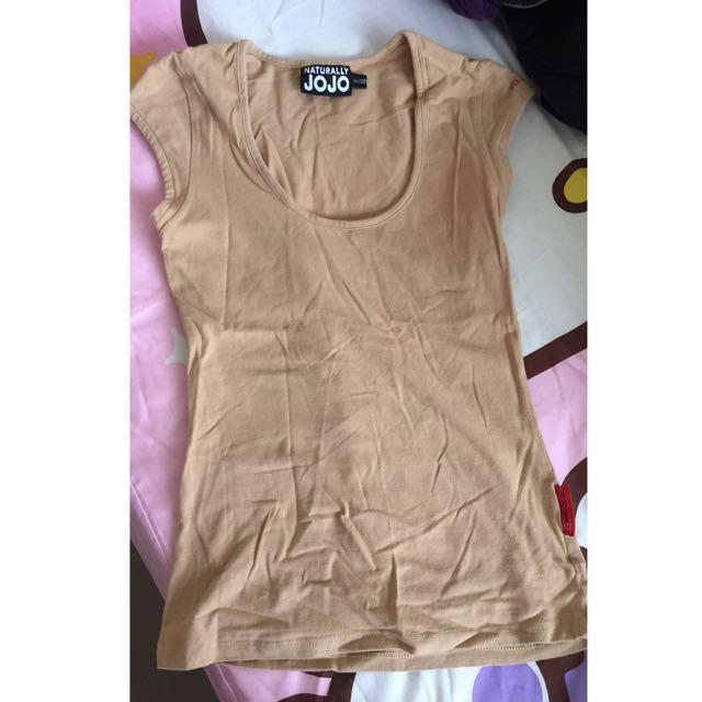 JOJO裸色T-shirt