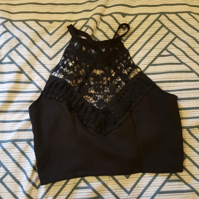 Lacy criss cross strap black crop