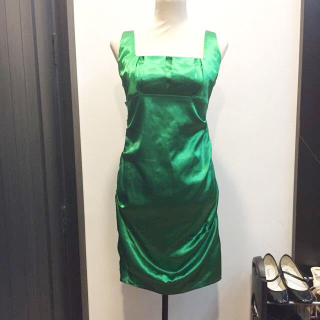 Le chateau green cocktail dress