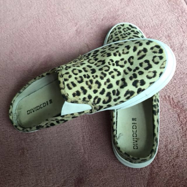 d63cb4e7 Leopard Snickers , Women's Fashion, Shoes on Carousell
