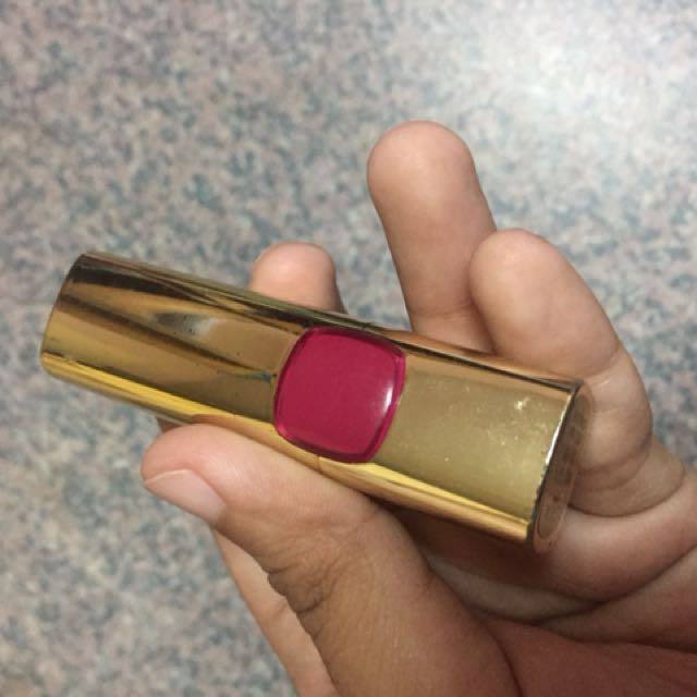 L'oreal Berry Allure shade lipstick