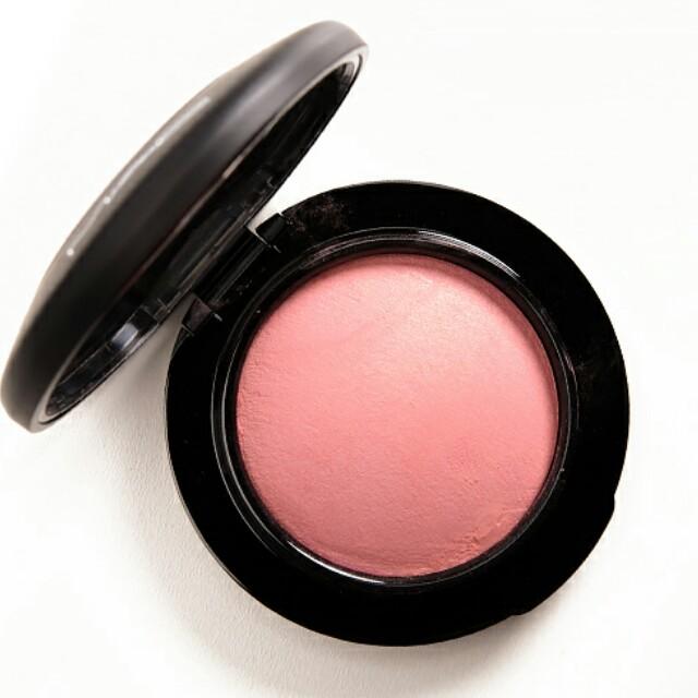 Mac mineralize blush dainty