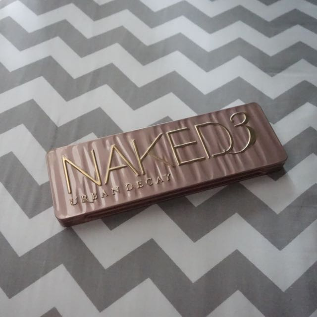 NAKED 3 PALLETTE (ALMOST NEW)
