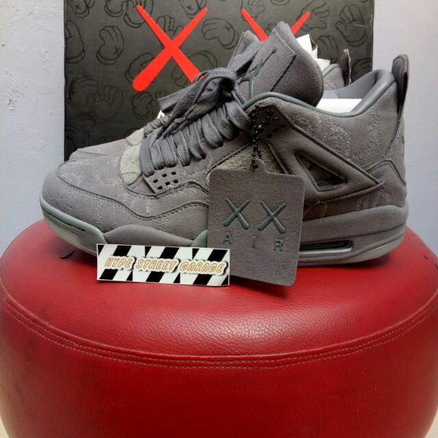 a7d1b7efd9b5e Nike air jordan 4 retro x kaws