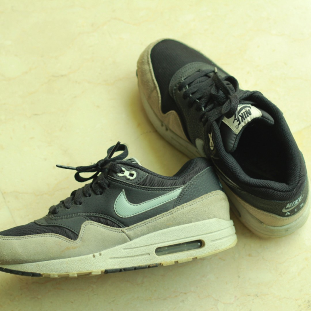 factory authentic 925e3 44d5b NIKE AIR MAX 1 ESSENTIAL BLACK DOVE GREY, Men's Fashion, Footwear on ...
