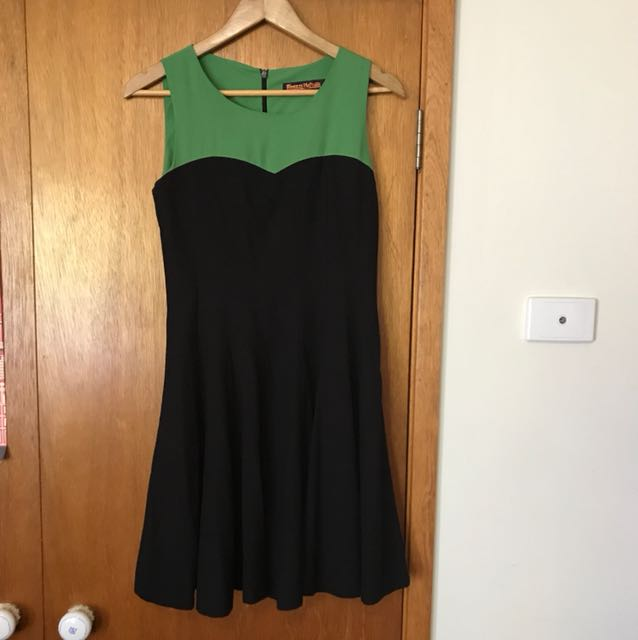 Princess highway indie retro gig dress size 10 black and green
