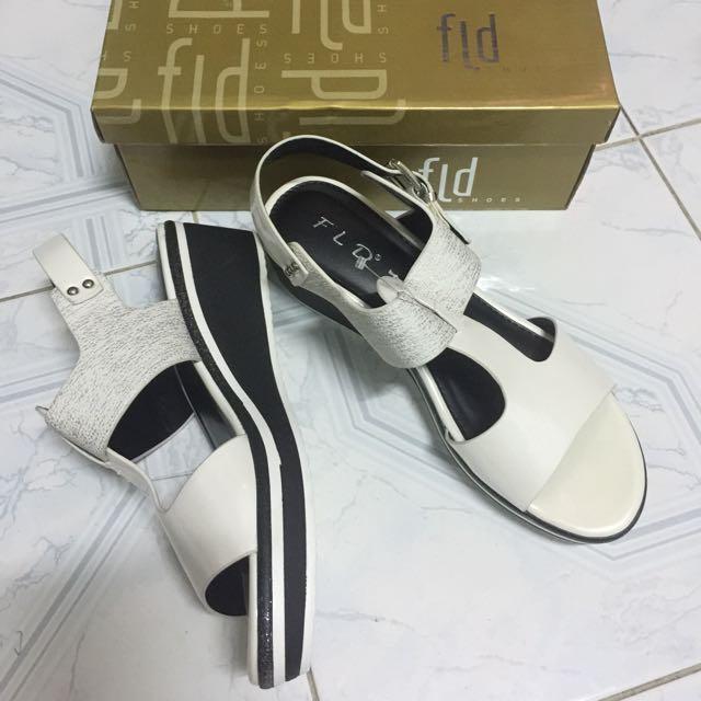 Sepatu sandal FLD