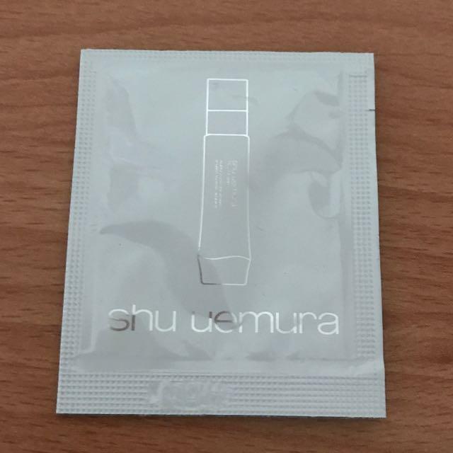 Shu uemura植村秀 光燦新肌晶透乳液