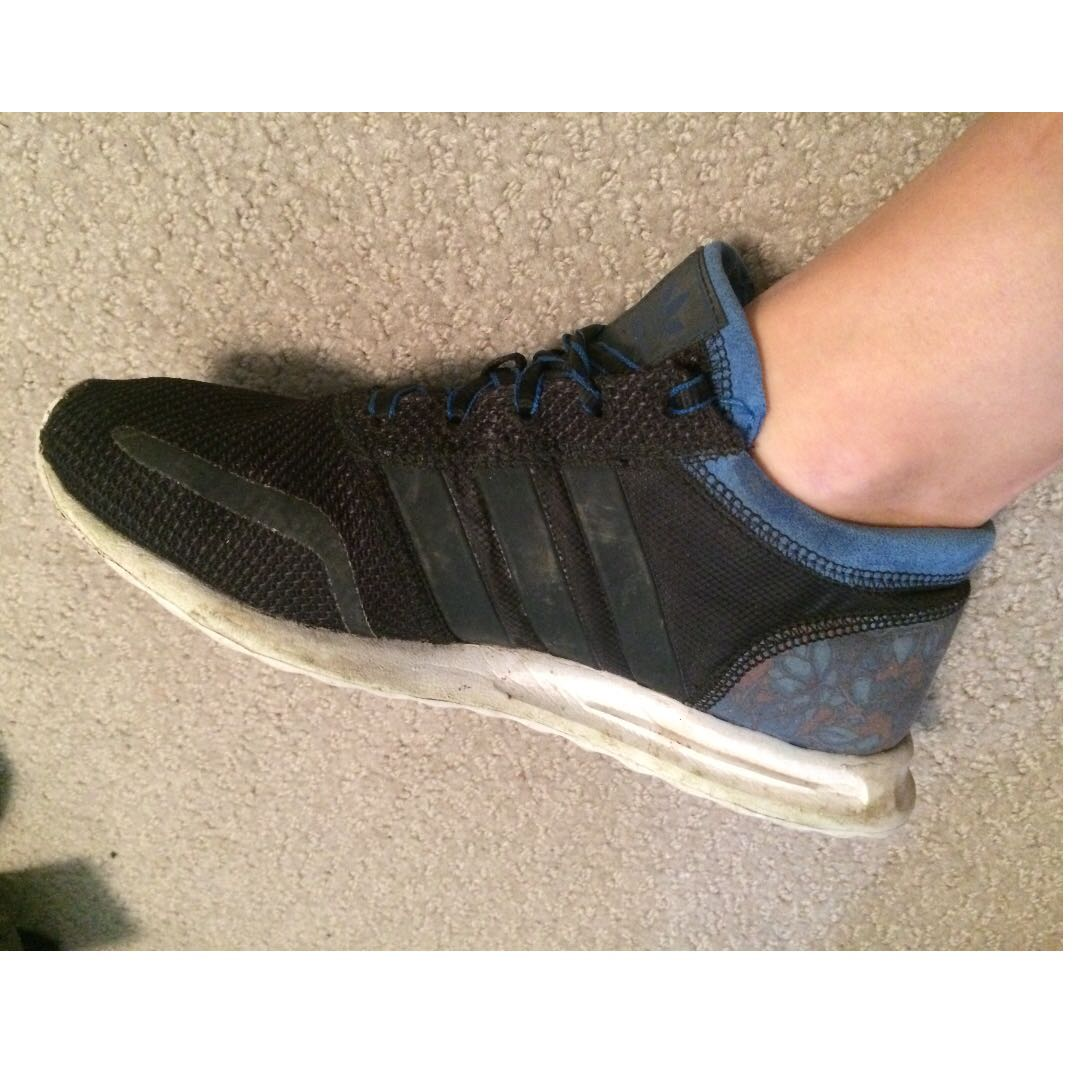 (Size 6.5) adidas Los Angeles runners