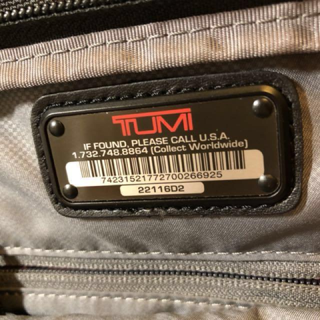 TUMI 側背包 今年九月初桃園機場購買 99.9成新 正牌貨