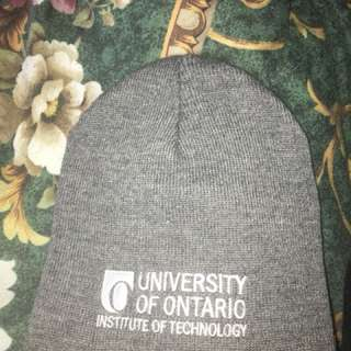 Uni of Ontario tuque