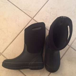 BOGS Snow Boots Size 4