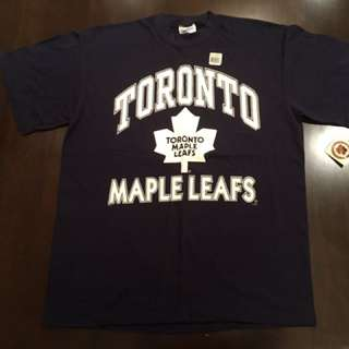 Toronto maple leafs shirt