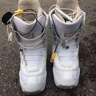 Burton women's snowboard boots size 7
