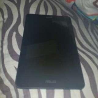 ASUS FonePad K004 no screen protector, no charger, unit mismo.