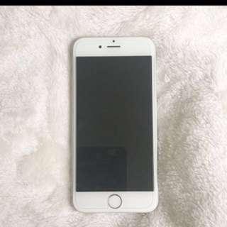 Iphone 6 • 64GBs unlocked silver