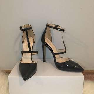 "Marco Gianni ""Dolley"" Heels"