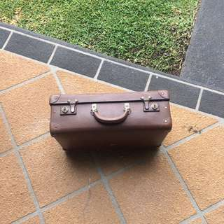 Vintage Ford Sherington suitcase