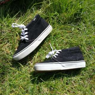 Vans ankle high suede sneaker last chance