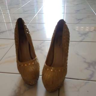 Gold shoes genny size 39