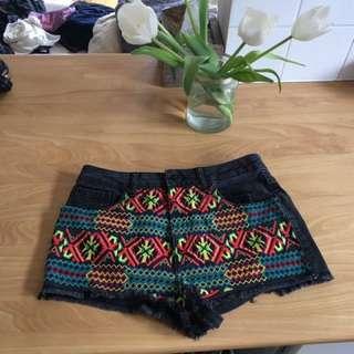 Shorts denim ethnic pattern